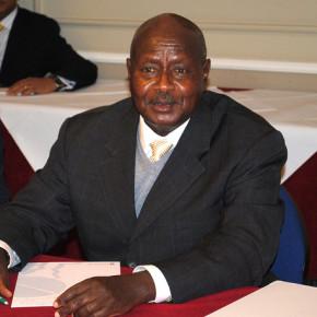 Museveni obraża się na Obamę, będzie współpracował z Rosją